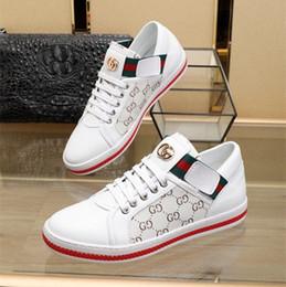 2019 de lujo a estrenar Blanco Rojo inferior para hombre para mujer Diseñadores zapatos Low Cut Casual plana al aire libre Zapatillas zapatillas de deporte de conducción con caja en venta