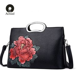 $enCountryForm.capitalKeyWord Australia - Qianyiyuan New 2019 Embroidery Rose Women Roses Handbag Tote Shoulder Bag Flap Bag Designer PU Leather Handbag Diagonal package