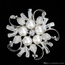 wedding crystal suits men Australia - Crystal Pearl flower Brooches pins Silver Gold plated Corsage Women Men Wedding jewelry Bride Corsage Dress Suit jewelry gift 170283