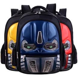 Venta al por mayor de Una mochila escolar de un alumno de la escuela primaria 2018 niños nuevos transformadores 3D bolsa impermeable