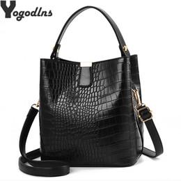 $enCountryForm.capitalKeyWord Australia - Retro Alligator Bucket Bags Women Crocodile Pattern Handbag Capacity Casual Crocodile Shoulder Messenger Bags Ladies Pu Purse MX190816