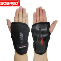 $enCountryForm.capitalKeyWord Australia - SOARED Wrist Guards Support Palm Pads Protector For Inline Skating Ski Snowboard Roller Gear Protection Men Women #242067