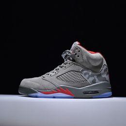 sports shoes c4320 0f55c Barato homens retro designer de basquete ao ar livre sapatos 5s 11 s 12 s  13 s tênis 5 11 12 13 branco vermelho preto cinza azul venda