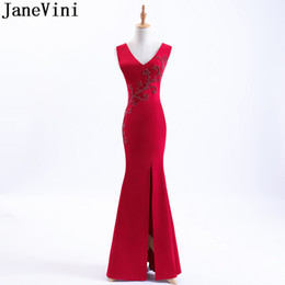 mini mermaid wedding dresses 2019 - wholesale Red Split Mermaid Bridesmaid Dresses Long 2018 Tight Fitted V-Neck Pearls Ladies Dresses For Wedding Party For