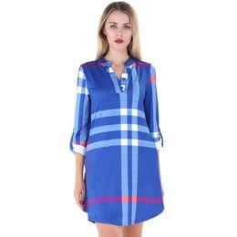 2018 Nouvelle Mode Automne Femmes Chemise À Carreaux Robe Dress Roll Up Manches Bouton V-Cou Poches Courbé Ourlet Occasionnel Casual Robe Robe Droite en Solde