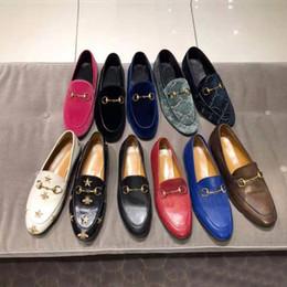 Femmes plats casual chaussures 100% authentique boucle en métal de peau de vachette femme chaussures de cuir mulhastion Princetown hommes piétine chaussures de robe paresseuse taille 34-42-46 en Solde