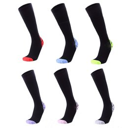 9e893fdfea1 Pressure Socks Wholesale UK - Summer breathable men and women running  pressure socks muscle fatigue relieve