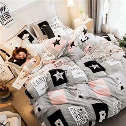 $enCountryForm.capitalKeyWord NZ - 4Pcs Fashion Scandinavian Warm Fluffy Flannel Fleece Winter Bear Grey Pink Twin Queen King Size Bed Quilt Duvet Doona Cover Set
