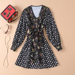 Ribbon Print Australia - 2019 Spring Long Sleeve V Neck Floral Print With Ribbon Tie-Bow Above Knee Dress Luxury Runway Dresses M240002A3