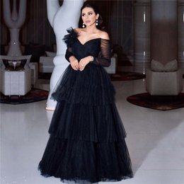 Wholesale Black Off the Shoulder Prom Dresses V Neck Long Sleeve Pleat Tiered Skirt Long Arabic Evening Formal Dress Organza Prom Gown