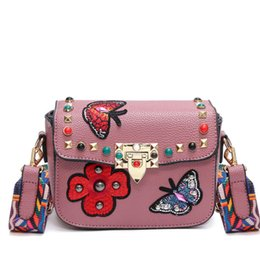 $enCountryForm.capitalKeyWord UK - 2017 Butterfly Animal Pattern Fashion Mini Women Bags Rivets Embroidery Floral Bag Designer PU Leather Crossbody Bags Sac A Main