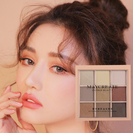 $enCountryForm.capitalKeyWord Australia - 9 color pearl matte eye shadow tray Bling Bling eye shadow makeup earth warm sun color waterproof lasting
