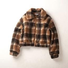 $enCountryForm.capitalKeyWord Australia - Thicken Warm Short Faux Lambswool Fur Coat Turn Down Collar Plaid Jacket Women Good Quality Warm Batwing Sleeve Jackets Woman