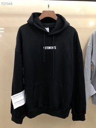 wearing designer clothes UK - 2019 Autumn Winter Vetements Big Washing Label Fashion Casual Wear Hooded men women designer clothing Cotton Long Sleeve Hoodie I5DN