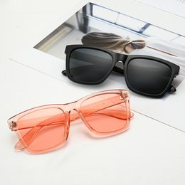 Wholesale 1903 New fashion brand sunglasses black synthetic resin square frame with gold metal outline outline retro style style anti UV sunglasses