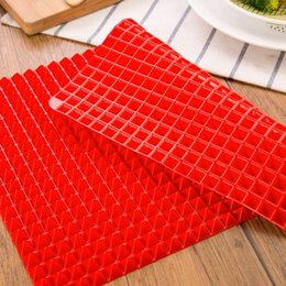 $enCountryForm.capitalKeyWord Australia - BBQ Pyramid Pan Bakeware Nonstick Silicone Baking Mats Pad Moulds Microwave Oven Baking Tray Sheet Kitchen Tools