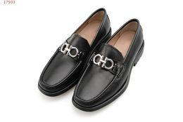 $enCountryForm.capitalKeyWord Canada - Luxury Fashion Mens Gancini bit moccasin Dress Casual Party Loafers Shoes with rubber lug sole Single Shoe Slip On Wedding Pumps