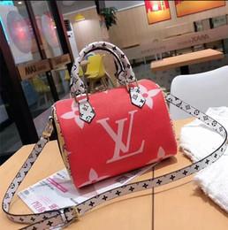 $enCountryForm.capitalKeyWord Australia - Lowest price Sales leather fashion women's designer handbags high quality Ladies shoulder bag messenger bag Totes Popular top wallets tag 31