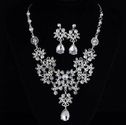 $enCountryForm.capitalKeyWord NZ - 2019Fashion Wedding bridal Jewelry Set Silver Alloy Rhinestone Crystal Earrings and Necklece Elegant Bridal Accessory