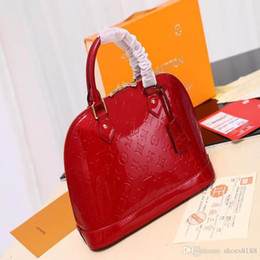 $enCountryForm.capitalKeyWord Australia - New Classic Fashion Designer Bag Are Compact Deluxe Bag Easy To Carry, Hand Bags With Good Leather Quality Number: 60 91606
