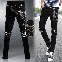 Mens Punk Rock Black Jeans Lap Hip Rivet Slim Fit motociclista Denim Pants Meninos DJ singer Ripped Skinny Jeans com cintos Chains