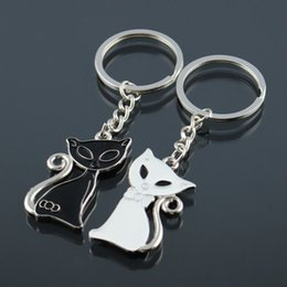 $enCountryForm.capitalKeyWord NZ - ISKYBOB 2017 Hot Sale Cute Couple Cat Keychain for Lovers Alloy Fashion Enamel Jewelry Ring For Bag Ornament Accessorie