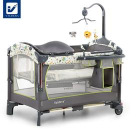 Vente en gros Lit de bébé Valdera avec station d'accueil européenne pliante pour lit de jeu multifonctionnel