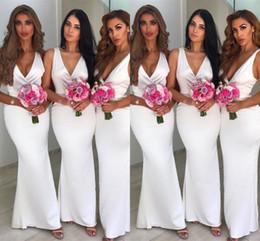 Discount v back - Glamorous White V-Neck Sleeveless Bridesmaid Dresses Mermaid Zipper Back 2019 Maid of Honor Dress Custom Made Party Dres