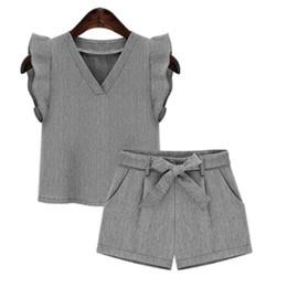 $enCountryForm.capitalKeyWord UK - 2019 Summer European Style Women Sets T -shirts Shorts Two Pieces Women V -cut Colour Suits Designer Clothes Plus Size Y19071301