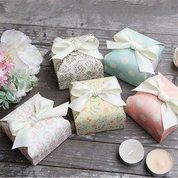 eco friendly gift bags wholesale NZ - Favor candy Box bag New craft paper Shape Wedding Favor Gift Boxes pie Party Box bags eco friendly kraft CT0113