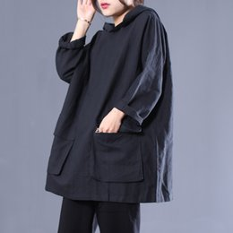 Hooded Shirt Pattern NZ - [EWQ] New Spring 2019 Pattern Hooded Collar Long Sleeve Solid Patchwork Pockets Pullovers Vintage Loose T-shirt Women AD70701