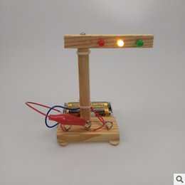 Small child School online shopping - Science experiment toy set for primary school students DIY traffic light technology small invention children hand made