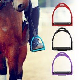 Großhandel Häfen Unterhaltung 2ST / Set Riding Steigbügel Aluminiumlegierung Flex-Aluminium für Pferdesattel-Anti-Rutsch-Pferd Pedal Equestrian Sicherheit Equ ...