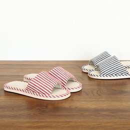 Homens mulheres chinelos de verão interior chinelos listrados em casa tecido estilo Japonês casa respirável antiderrapante chinelos de linho atacado em Promoção