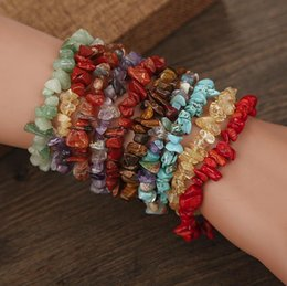 $enCountryForm.capitalKeyWord Australia - Retro Handmade Stretch Crystal Chip Bracelet Gravel Bracelet Irregular Natural Stone Charm with Elastic Gift For Women