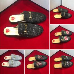 $enCountryForm.capitalKeyWord Australia - Brand nephew Princetown men's and women's fur slippers dice flat shoes leather designer fashion metal chain ladies casual shoes
