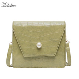 Mododiino Stone modello crossbody pu in pelle femminile piccola borsa a pattina decorazione perla borsa donna tracolla estate DNV1011