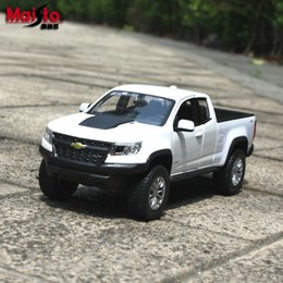 party decorations kids cars Canada - Maisto Diecast Car Model Toy, 2017 Chevrolet Colorado Pickup Truck, 1:27 High Simulation, Party Kid Birthday Gift,Collecting,Home Decoration