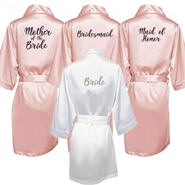 $enCountryForm.capitalKeyWord NZ - New Bride Bridesmaid Robe With White Black Letters Mother Sister Of The Bride Wedding Gift Bathrobe Kimono Satin Robes