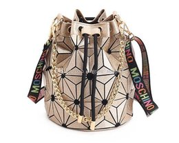 $enCountryForm.capitalKeyWord UK - Famous Brand Women Female Bag Geometric Handbags Plaid Chain Shoulder Crossbody bags Laser Drawstring Diamond Bag Outdoor Bags