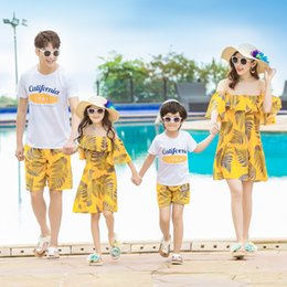 $enCountryForm.capitalKeyWord Australia - Summer Family Matching Clothes Bohemian Off Shoulder Mommy and Me Mother Daughter Dresses Father Boy Shirts Pant Family Look