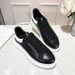 girls hot pink dress shoes Canada - HOT SALE Designer Shoes Party Dress Girls Ladys Women Shoes White black Velvet Reflective Leather Mens Casual Sneakers 6