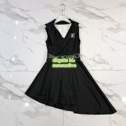 $enCountryForm.capitalKeyWord NZ - 19 Women A-Line Vintage Sexy Letter Shirt Dress V-Neck Dress With Letter Print The High Custom Brand Runway Knee-Length Brief Skirt Dress