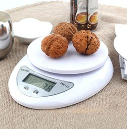 Portable Digital Scale LED Electronic Scales Postal Food Balance Measuring Weight Kitchen LED Electronic Scales 5kg 1g 1kg 0.1g on Sale