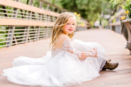Red long dResses foR gRaduation online shopping - Vintage Flower Girl Dress with Lace Appliques Butterflies Crystals Keyhole Back For Wedding Custom Made Princess Dress