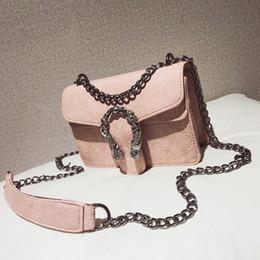 Discount thread crochet pattern - Free shipping, 2019 new fashion handbags, retro woman messenger bags, Korean version shoulder bag, chain stone pattern w