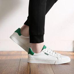 $enCountryForm.capitalKeyWord Australia - SJfashionsalon 19S S INS Hottest Sale Men Classic Casual Comfortable Leather Canvas Shoes
