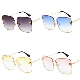 large sun glasses NZ - Large Frame Sunglasses For Lady Little Bee Sunglass Golden Metal Frames Sun Glass Pink Yellow Purple Square Popular 10 8mg D1