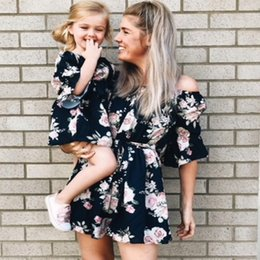 $enCountryForm.capitalKeyWord NZ - Mother Daughter Dresses Summer Floral Mommy And Me Dresses Clothes Family Look Beach Style Mom And Daughter Matching Clothes Y19051103