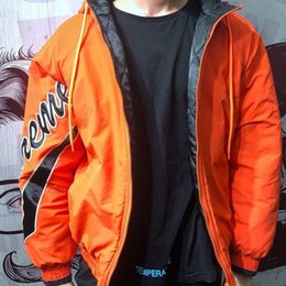 $enCountryForm.capitalKeyWord Australia - 18ss Sleeve Script Sideline Jacket Kirin Arm Jacket Cotton High Street Fashion Warm Men And Women Couple Four Color Jacket Hfssjk137